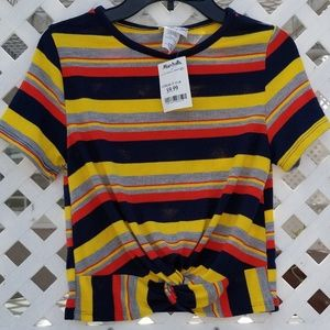 Tops - NWT colorful knotted crop top.